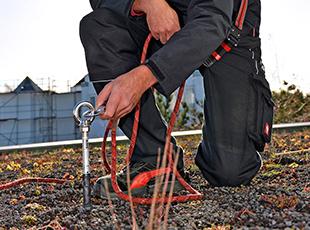 ABS Safety Einzelanschlagpunkt auf einem Flachdach