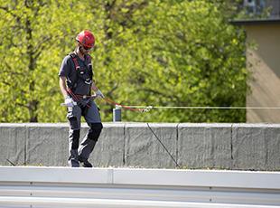 ABS Safety Seilsicherungssystem auf einem Flachdach