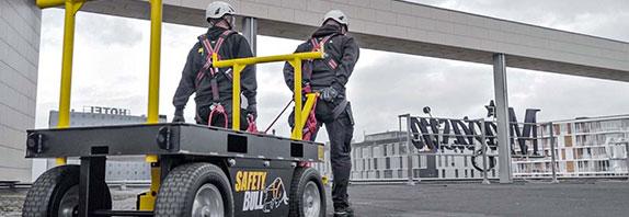 ABS SafetyBull Wagen und Zubehör zur Absturzsicherung auf Flachdach